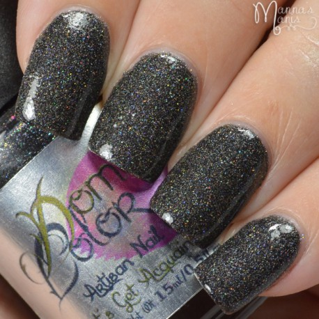 Black cloud with a Holo lining